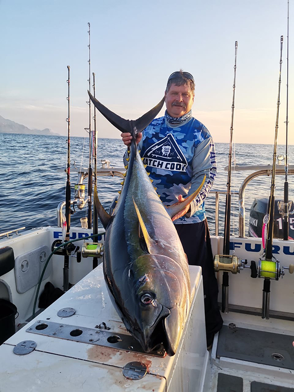 Deep_Sea_Fishing_Charters_02